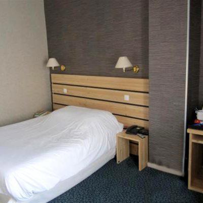 h tellerie. Black Bedroom Furniture Sets. Home Design Ideas