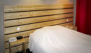Hôtel Best Western Grenoble - Lit avec chevet bois